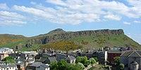 Edinburgh Salisbury Crags 2004-05-18.jpg