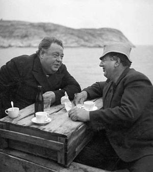Edvard Persson - Persson on the left with Allan Waldner at the set of Baldwin's Wedding (1938).