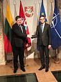 Eesti välisminister Sven Mikser ja Leedu kaitseminister Raimundas Karoblis (31457177783).jpg