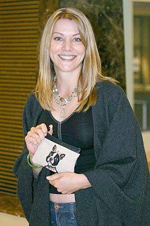 Elizabeth Anne Allen - Allen at the 2004 Flashback convention in Chicago