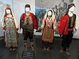 Serbische traditionelle Kleidung - Serbian traditional ...