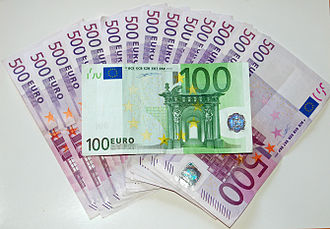 Every month, the European Central Bank publishes the number of banknotes in circulation around the Eurozone. Euroscheine 01.jpg