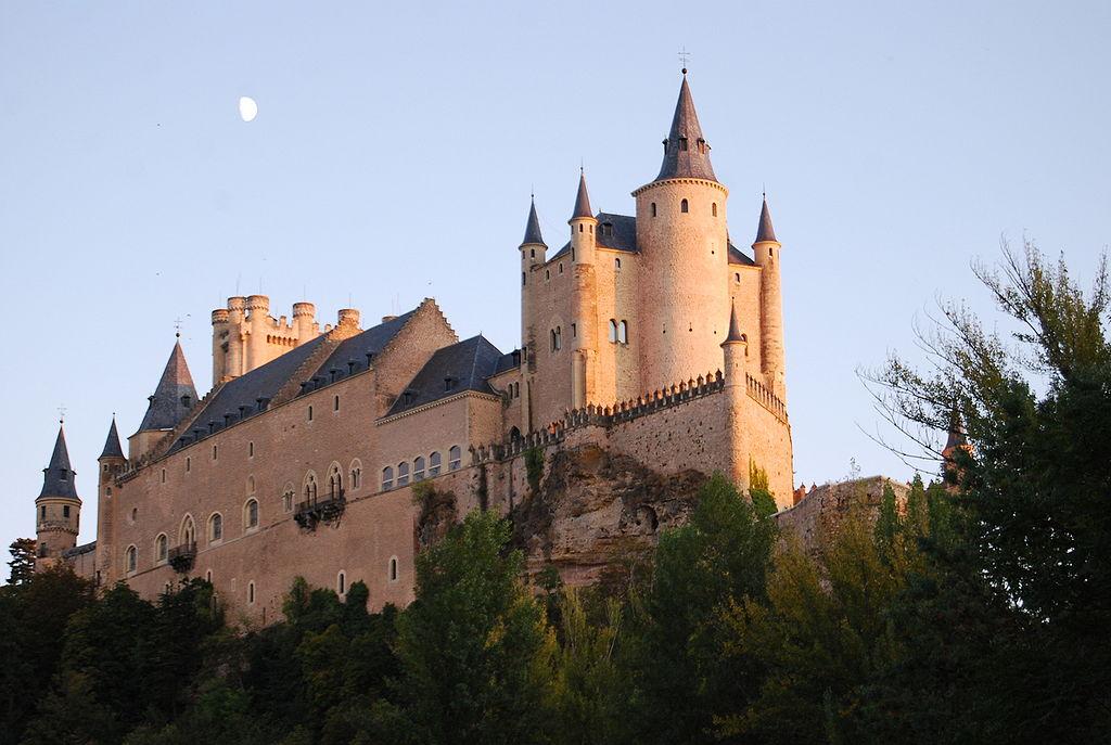 Крепость алькасар в Сеговии. Испания.