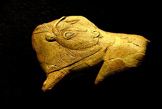 History of art - Bison Licking Insect Bite; 15,000–13,000 BCE; antler; National Museum of Prehistory (Les Eyzies-de-Tayac-Sireuil, France)