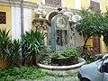 FONTANA DELL'IGROCRONOMETRO nel cortile del palazzo Bernardi-Muti, in via del Gesù 62 - panoramio.jpg