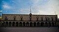 Fachada principal Palacio de Zambrano.jpg