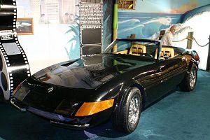 Cars in Miami Vice - Ferrari Daytona like the one used in the show