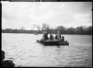 Huntly, New Zealand - Image: Ferry crossing the Waikato River at Huntly (21672312621)