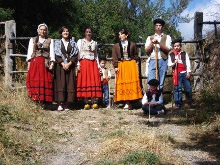 Fiesta de los campanos, trajes típicos campurrianos