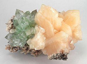 Stilbite - Image: Fluorapophyllite Stilbite Ca indi 71a