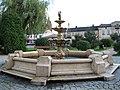 Fontanna w Lututowie - panoramio.jpg