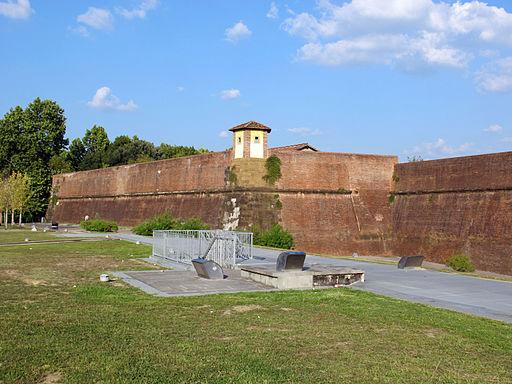 Fortezza da basso, firenze, lato piazzale caduti nei lager 02