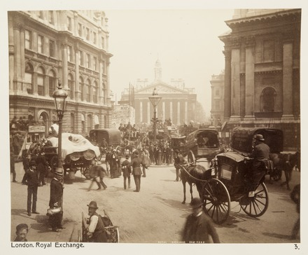 View to the Royal Exchange in the City of London in 1886 Fotografi av Royal Exchange. London, England - Hallwylska museet - 105857.tif