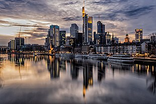 Skyline di Francoforte (126739545) .jpeg