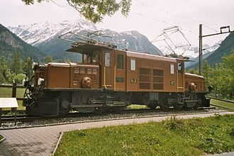 Traction motor - Swiss Rhaetian Railway Ge 6/6 I Krokodil locomotive, with a single large traction motor above each bogie, with drive by coupling rods.