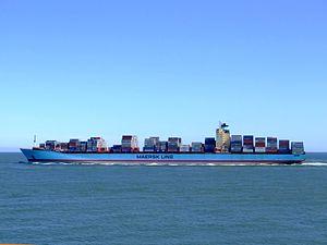 Georg Maersk p04, leaving Port of Rotterdam, Holland 04-Aug-2007.jpg