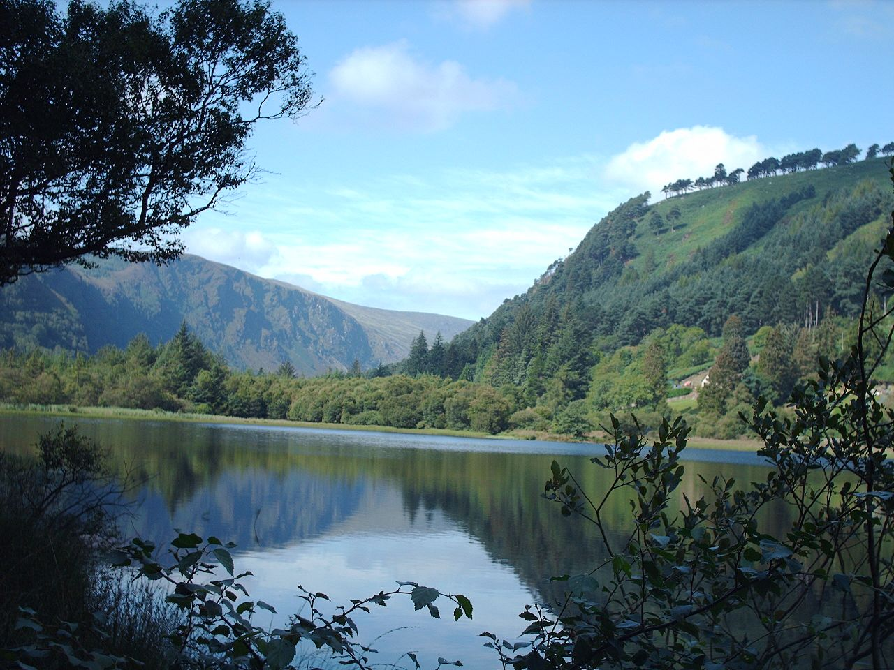 Lembah Glendalough di County Wicklow