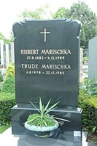 Grabstätte Hubert Marischka.jpg