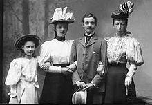 Frederik frans med sin mor og to søstre alexandrine og cecilie