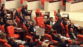 Issues and developments during the Turkish general elections, 2015 - CHP Members of Parliament protesting against AKP ministers voting against their conviction, January 2015