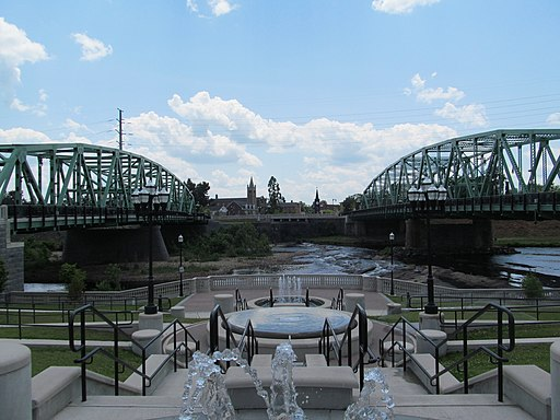 Great River Bridge, both spans, looking south, Westfield MA