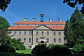 Griebenow, Schloss (2011-06-11) 2 by Klugschnacker in Wikipedia.jpg