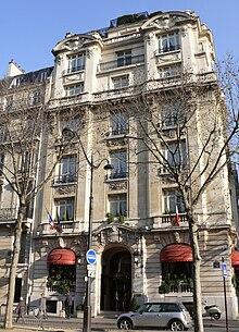Restaurant Rue Balzac Paris