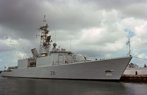 Iroquois-class destroyer - Huron in 1976 – note split funnel and Sea Sparrow launcher