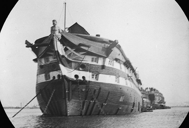 File:HMS Atlas hulk.jpg