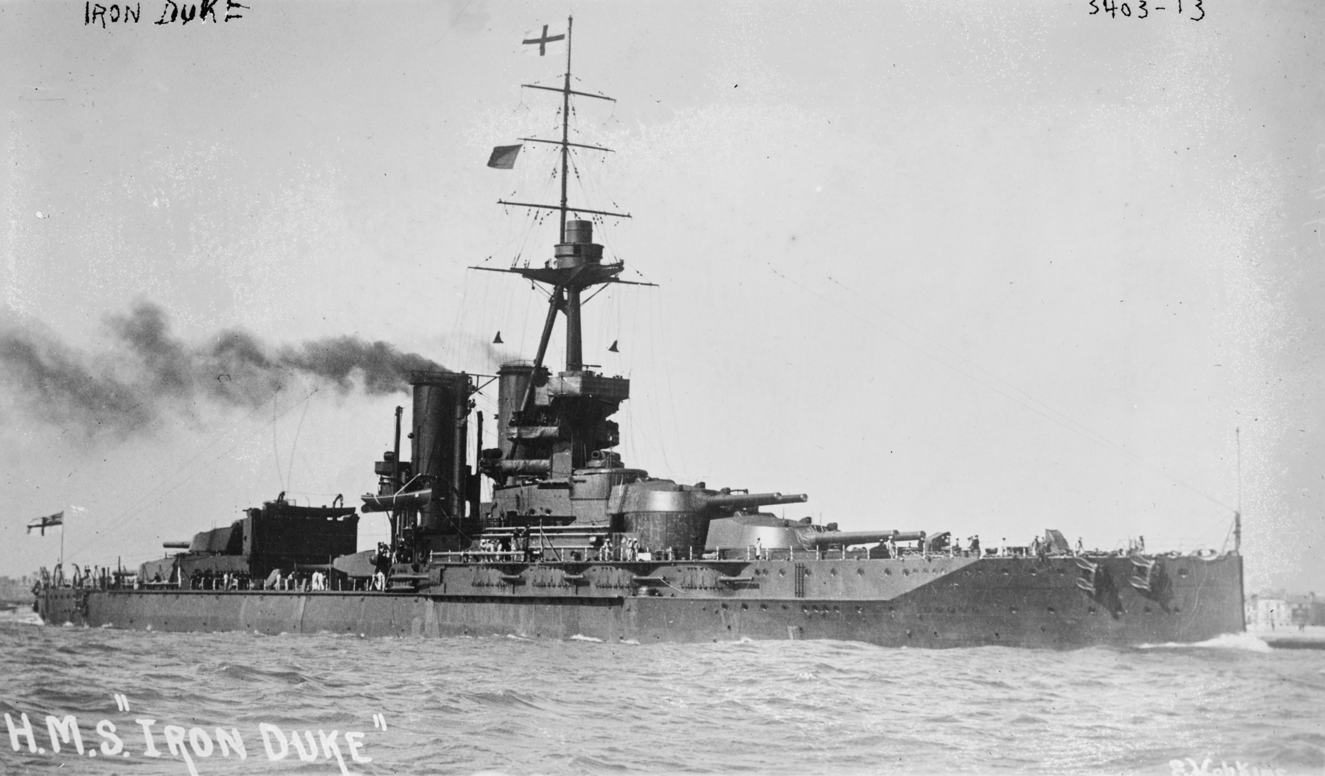 This image has an empty alt attribute; its file name is 1920px-HMS_Iron_Duke2.png