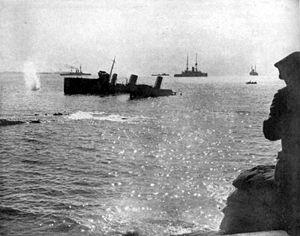 HMS Louis (1913) - Image: HMS Louis stranded Suvla Bay 1915