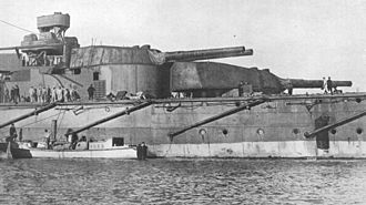 HMS Thunderer (1911) - The ship's aft main-gun turrets, about 1914–1915
