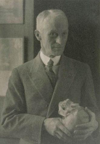 Cushing reflex - Harvey Cushing, Doris Ulmann 1920s