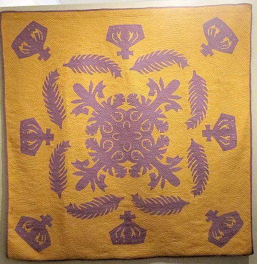 Hawaiian quilt, Na Kalaunu (Crowns),