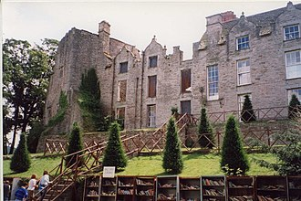 Hay-on-Wye - Hay Castle and Mansion