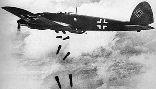 Heinkel He 111H dropping bombs 1940