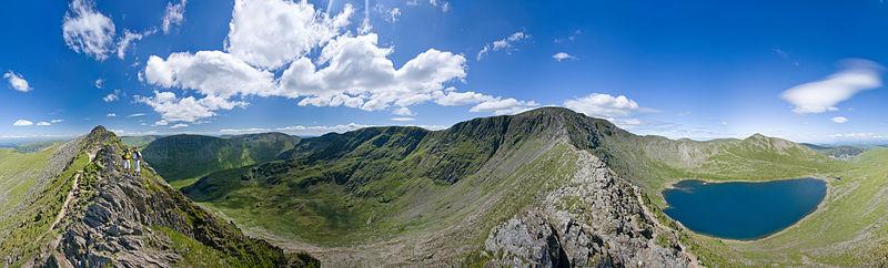 File:Helvellyn Striding Edge 360 Panorama, Lake District - June 09.jpg