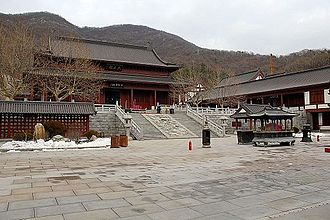 Hengshan Temple in Lushunkou District Hengshan Temple.JPG