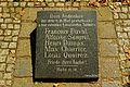 Hof, D-4-64-000-219, Gedenkplatte fuer die in Hof gestorbene franzoesische Soldaten, Bild01.jpg