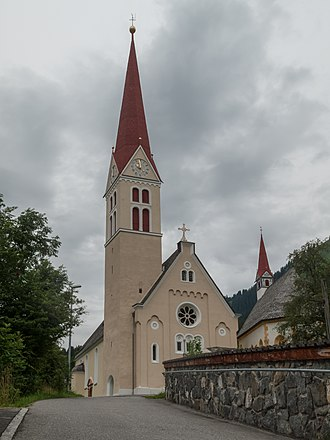 Holzgau - Church: katholische Pfarrkirche Unsere Liebe Frau Mariae Himmelfahrt