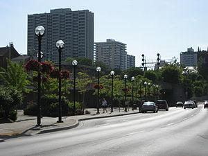 Hunter Street (Hamilton, Ontario) - Hunter Street East, looking West