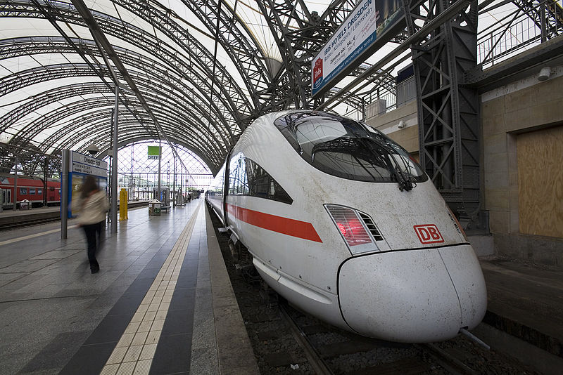 File:ICE train in Dresden Hauptbahnhof.jpg
