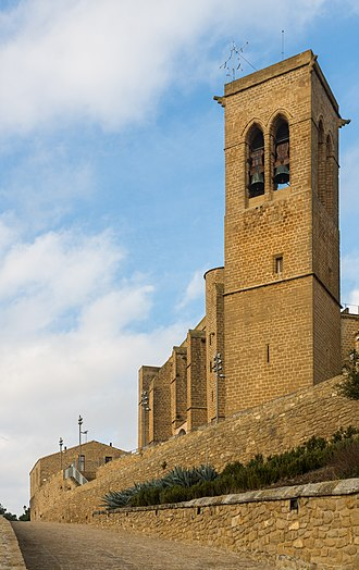 Artajona - Fortified church of St Saturnino.