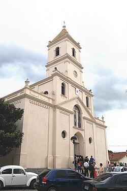 Igreja matriz de Santa Rita de Cássia em Extrema.jpg