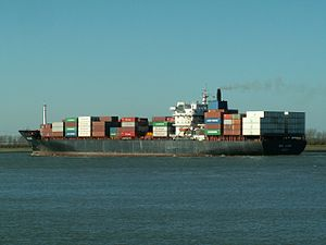 India Lotus p4, leaving Port of Rotterdam, Holland 08-Apr-2006.jpg