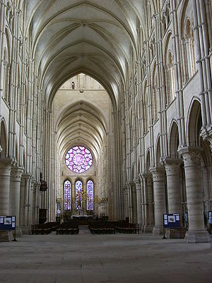 French Gothic architecture - Nave of Laon Cathedral in four tiers, with arcade, tribune gallery, triforium, and clerestory under sexpartite vaulting