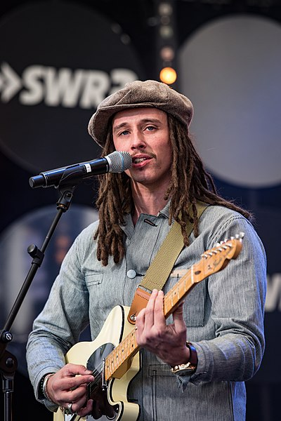 Picture of a band or musician: Jp Cooper