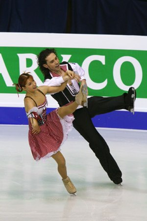 Ice dancing - Jana Khokhlova / Sergei Novitski on an outside edge during a compulsory dance.