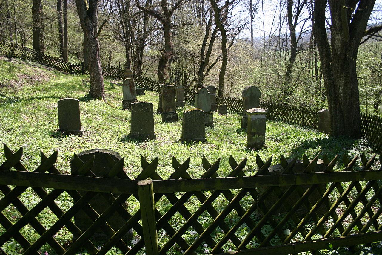 Jewish cemetery friedhof doerrebach2.jpg