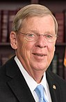 Johnny Isakson official Senate photo (cropped).jpg